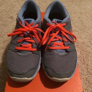 Nike Flex Experience RN Women's Size 8